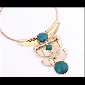 Jewelry - Dramatic Metal Turquoise Stone Pendant Necklace